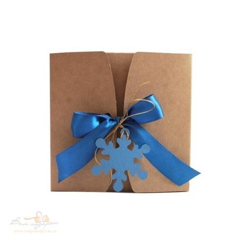 Подарункова упаковка з крафту Сніжинка 150*150*70, 500г
